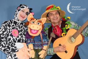 Bild: Der singende und klingende Bauernhof - Ein interaktives Liedertheater mit Schauspielern und Figuren für Kinder ab 4