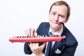 Bild: Musikkabarett mit Christoph Reuter - Alle sind musikalisch! ( außer manche)