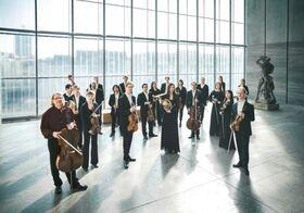 Bild: Mendelssohn Kammerorchester Leipzig, Peter Bruns (Violoncello & Leitung)