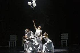 Bild: Essenz - Tanztheaterstück von Bettina Werner