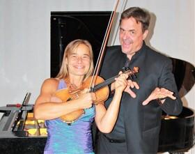 Bild: zum 250. Geburtstag: Ludwig v. Beethoven mit Zeitgenossen - Sonatenabend mit Anja Borchers (Violine) und Peter Bortfeldt (Klavier)