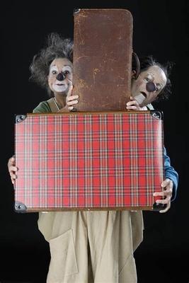 Bild: mobiles theater pohyb`s und konsorten - Vom Glück zu zweit zu sein