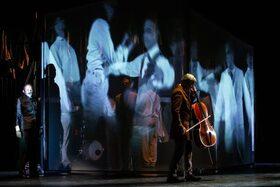Bild: Die Reise der Verlorenen - Altonaer Theater