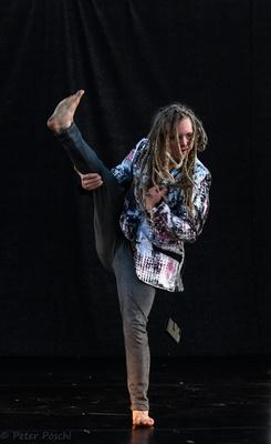 Bild: Leonard Exner - Zeitgenössischer experimenteller Tanz - Jetzt ein Tanz für mich