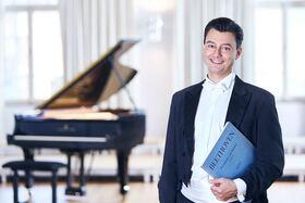 Bild: Holger Blüder: Durch die Nacht zum Licht. Klavierkonzert mit Werken von Ludwig van Beethoven - Konzert