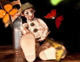 Bild: Artisanen: Die Werkstatt der Schmetterlinge - Sitzkissen-Theater für Kinder und ihre Eltern ab 5 Jahren