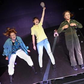 Bild: GRRRLS - Premiere des Kinder und Jugendtheaters der Burghofbühne