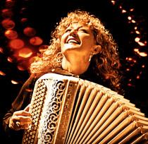 Lydie Auvray Trio - Die Grande Dame des Akkordeon – Walzer, Tangos und berührende Lieder