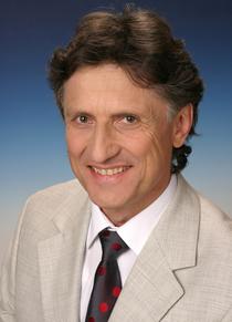 Dr. med. Ernst Schrott: Essen ist Herzenssache - mit Ayurveda typgerecht und gesund ernähren