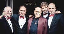 Bild: Giora Feidman & Rastrelli Cello Quartett - Feidman plays Beatles