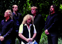 Bild: BARCLAY JAMES HARVEST - featuring LES HOLROYD