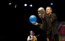 Mario und der Zauberer - Figurentheater für Erwachsene mit Livemusik nach der Novelle von Thomas Mann