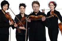 Bild: MUSIK IM LIEGEN // Simon Martin / Quatuor Bozzini