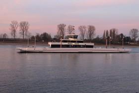 Bild: Rhein in Flammen Bingen das Original - Ü 30 Party auf dem Rhein zum 40. Geburtstag der internationalen Großveranstaltung