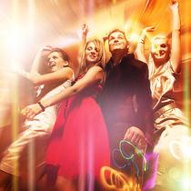 Bild: Ü30-Party - aktuelle Chart-Hits - Sonderfahrten 2017 - Entspannen, Erleben & Entdecken