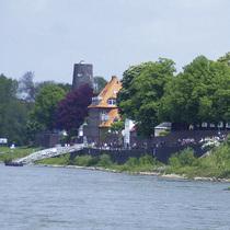 Bild: Tagesfahrt nach Kaiserswerth - Sonderfahrten 2017 - Flussidylle und Hafencharme