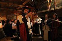 Das Mittelalter Kriminal Dinner - Krimidinner mit Kitzel für Nerven und Gaumen