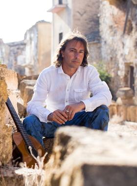 Bild: Pippo Pollina & Palermo Acoustic Quintet