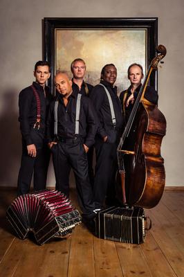 Tango meets Cuba - Klazz Brothers & Cuba Percussion