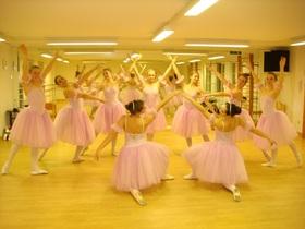 Bild: Vom Glück mit Tanz zu leben - Ein Tanzstück der Ballettschule Daniela Sauter, Wasserburg