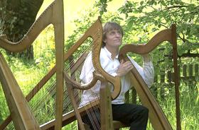 """Bild: Tom Daun: """"April Sunshine"""" – Irische Harfenklänge zum Frühling"""