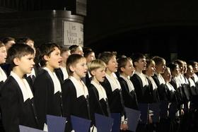 """Bild: St. Petersburger Knabenchor """"Viva la Musika"""""""