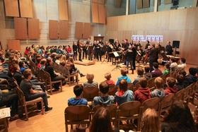 Bild: Konzert statt Schule!