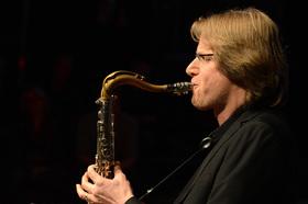 Bild: PAUL HELLER (WDR BIG BAND) & WÜSTE WELLE BIG BAND - mit: Sigrun Schumacher (Vocals)