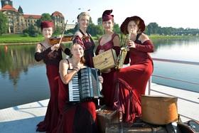 Bild: Dresdner Salon-Damen - Mit Musik geht alles besser