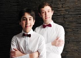 Bild: Klassik Sommer: Von Schubert bis Britten - Konzert für Violoncello und Klavier mit Manuel und Rafael Lipstein