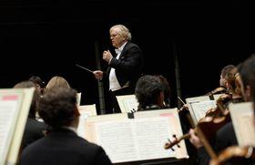 Bild: Justus Frantz und die Philharmonie der Nationen