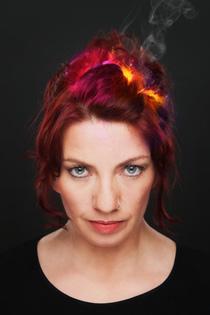 """Bild: Dagmar Schönleber - mit """"40 Fieber - zwischen Dope und Doppelherz"""""""