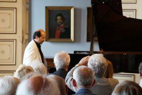 Bild: Petersburger Klavierzauber auf der Villa Ludwigshöhe - Klavierabend mit dem Petersburger Meisterpianisten Andrei Ivanovitch