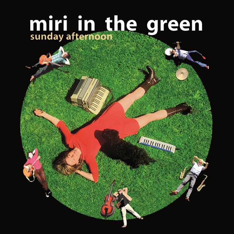 Sommer Special mit miri in the green (1)