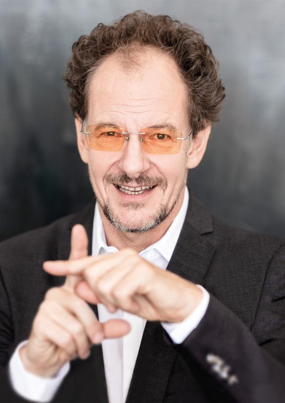 Chin Meyer - Leben im Plus - Kabarett, Geld und mehr