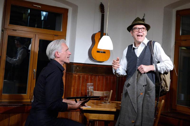 Chaim & Adolf - Eine Begegnung im Gasthaus