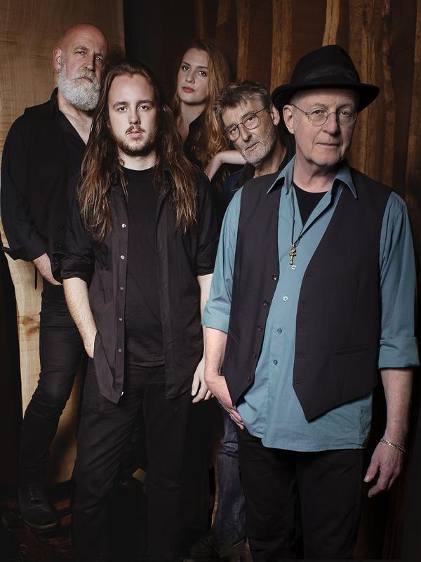 """Steve Baker & the LiveWires - """"The Great Divide"""""""
