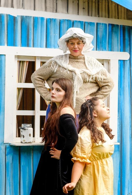 """Kinder- und Jugendtheater - """"Frau Holle"""""""