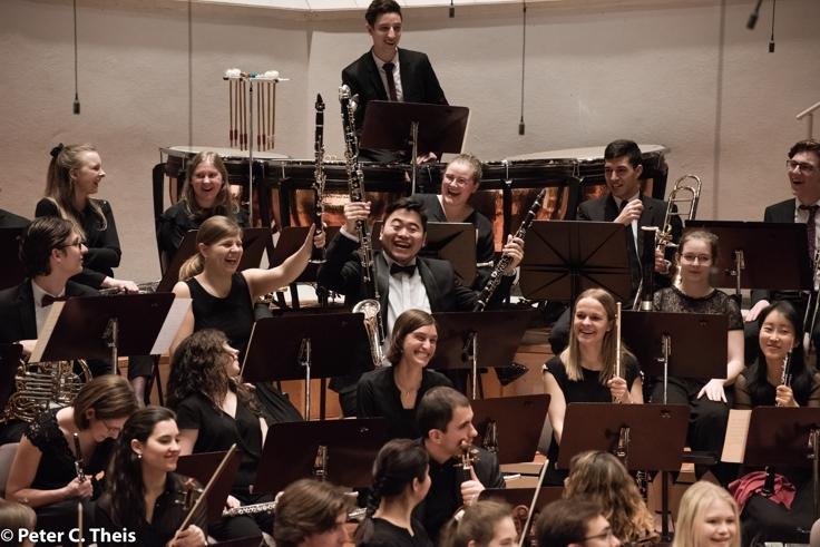 Familienkonzert: DER FEUERVOGEL – Sonderkonzert mit großem Orchester!