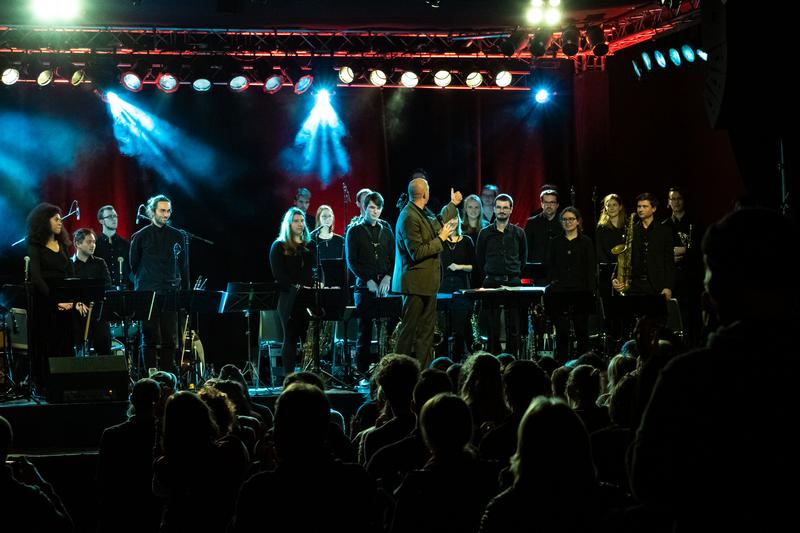 Jugendjazzorchester Sachsen trifft Emiliano Sampaio - Brazil, Jazz and More!
