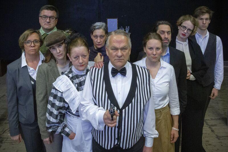 """Agatha Christie: """"Und dann gab´s keines mehr"""" - ein Gastspiel der Essener Volksbühne"""