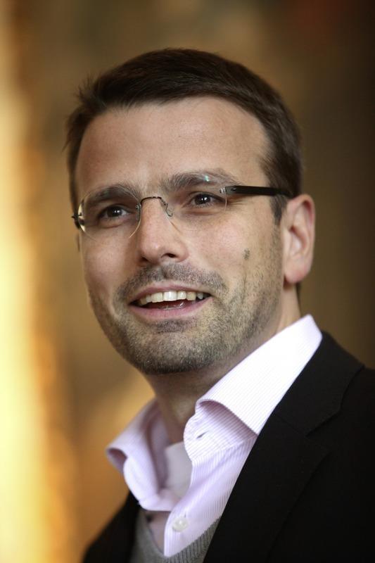 Dr. med. Raphael M. Bonelli © Jerko Malinar cross-press net