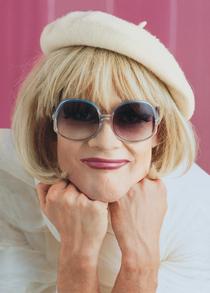 Irmgard Knef - Ein Lied kann eine Krücke sein