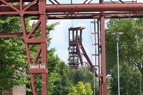 Bild: Grubengold und Fördertürme - Zechenreste - Fahrt zu ehemaligen Standorten