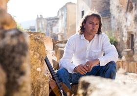 """Bild: Pippo Pollina & Palermo Acoustic Quintet - """"Il sole che verra"""" Europa Tour 2017"""