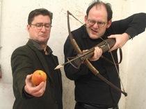 Bild: Michael Quast und Philipp Mosetter - Schiller: Verrat Verrat, und hinten scheint die Sonne!