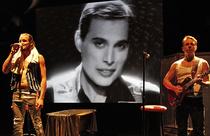 Bild: Play The Game - A Tribute to Freddie Mercury - von und mit Artur Molin, Musik Michael Lohmann