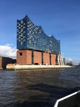 Bild: Elbphilharmonie Plaza & UNESCO Weltkulturerbe Tour Hamburg