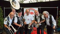 Bild: Nikolaus Jazz mit Just Friends feat. Ute Scherf-Clavel & Swiss German Dixie Corporation