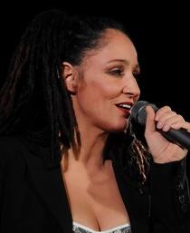 Songs und Chansons im Schlösschen - KREISLERismen. Sandra Kreisler singt Witziges u. Bissiges v. Georg Kreisler u.a. Legenden des Cabaret Chansons